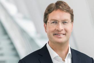梅赛德斯董事长分享为什么超屏是品牌未来的关键